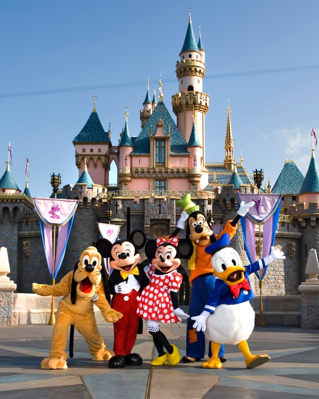 Source: http://themeparkadventure.com/love-letters-disneyland-59th-anniversary/